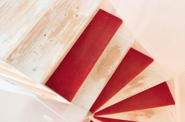 vloerbedekking van trap verwijderen