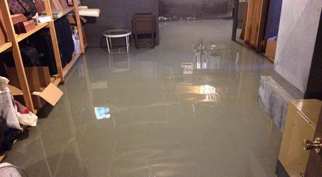 water in kelder